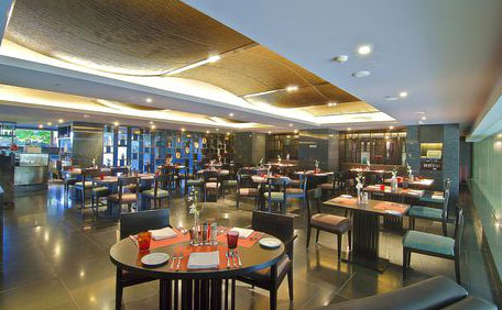 Magnificent Crowne Plaza Kochi Hotel Tariff Rates Reviews Photo Beutiful Home Inspiration Ommitmahrainfo